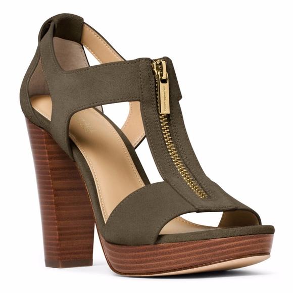 371752b3eda8 Michael Kors • Berkley Platform Sandal in Olive. M 5bad7392f63eeaaccc63fdad